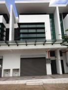Freehold, Easy Access 2sty Shop Lot Denai Alam Seksyen U16