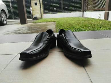 Dockmaster's formal shoes