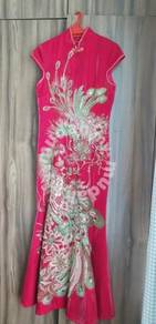 Red cheong sam with Phoenix motif