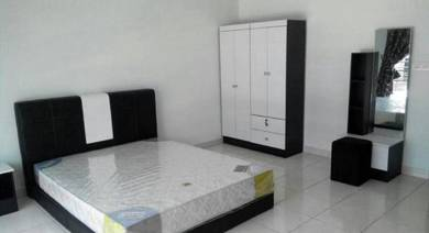 Master Bedroom 5 min to LRT Bukit Jalil Available 1 March 2018