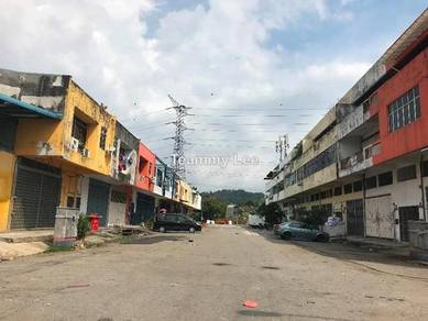 3sty Factory Jalan 18/62A, Taman Sri Serdang