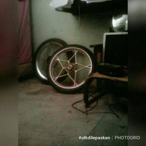 Tyre and rim