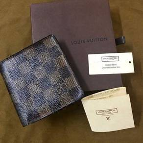 Pre-loved original LV wallet.