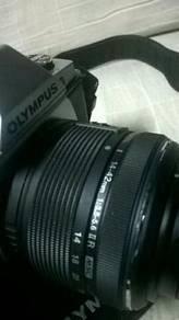 Olympus omd em5 with lens 14-42mm
