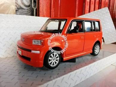 1-24 Toyota bb scion xb Die-Cast Metal