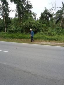 Main road frontage land in salak tinggi