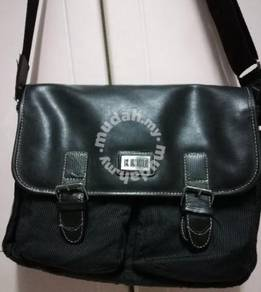 Elle messenger bag