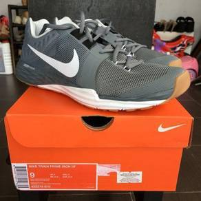 Nike Indoor New