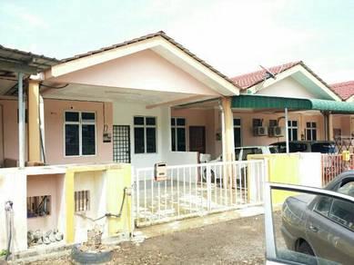 Tanah Merah, Single terrace house