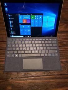 Microsoft Surface Pro 5 2017 (1TB, Intel Core i7)
