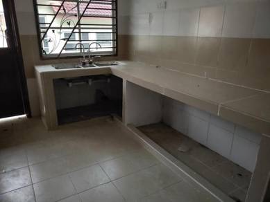 Near SENAI AIRPORT Renovated BANDAR PUTRA 20x70 TIONG