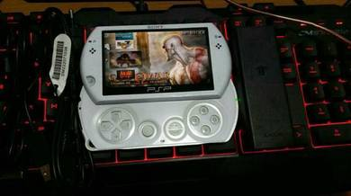 PSP 4000 Psp go White 16gb full games