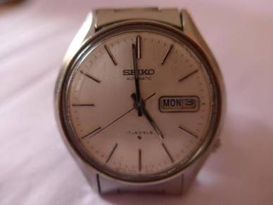 Seiko Automatic 17 Jewels Round Silver Dial Watch