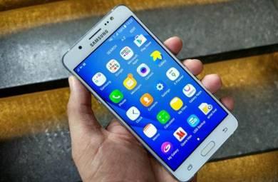 Samsung galaxy j7(6)