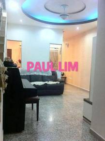 2 sty LORONG SLIM renovated FREE HOLD convenient location NICE unit