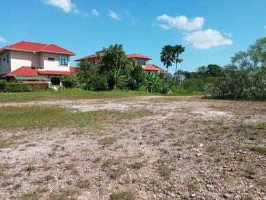 Precint 10 Bungalow Lot For Sale!