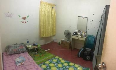 Medium room for sale Pantai Dalam