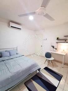 (1st Month Free Rental)Near Publika, Lady ONLY, Medium Room Duta Ria