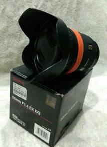 Sigma 50mm F1.4 DG EX Canon