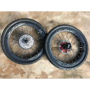 Wheel set Decaf 20 406 with tyre