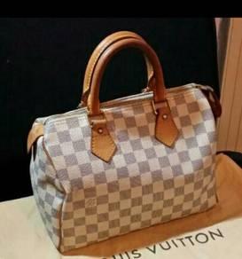 Authentic Louis Vuitton Damier Azur 25