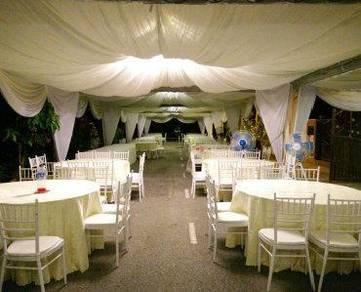 Arabian canopy with chiavary chairs