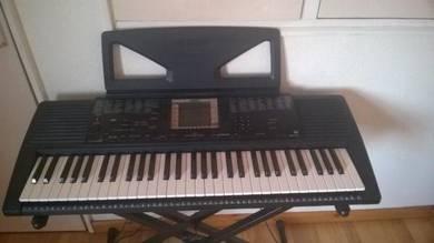 Yamaha PSR 300 Electric Keyboard