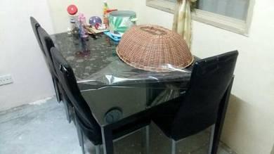 Meja makan 6 chair