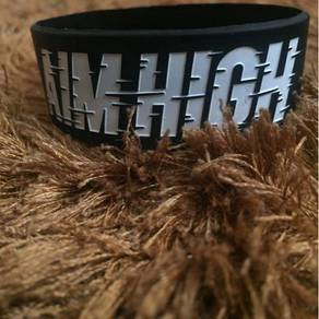 Aim high Stay Fly Wristband