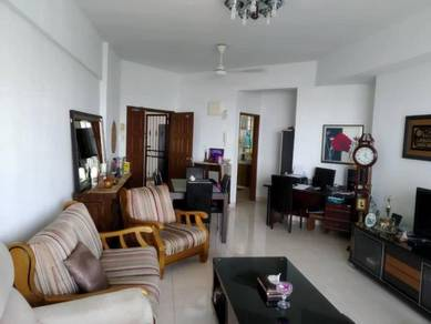 Villa Wangsamas for Sale 3 Bedrooms 2 Bathrooms Near LRT Station