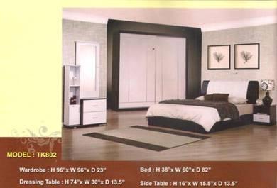 Future bed room set-8802