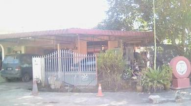 Rumah untuk dijual  - Simpang Empat