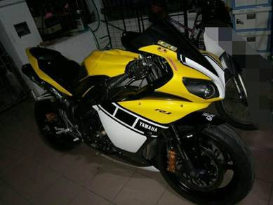 Urgent Yamaha R1 2009/14 Good Condition