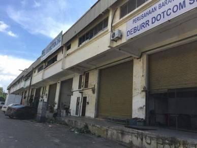 Lima kedai Gelang Patah 1. 5 Storey Factory