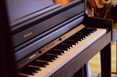 Roland HP704 Ch/Dr SuperNATURAL Hybrid Piano