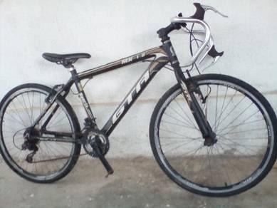 Basikal.