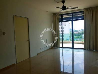 Vista alam studio apartment with big balcony n additional door