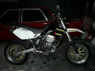 Kawasaki d tracker 250 (carb)