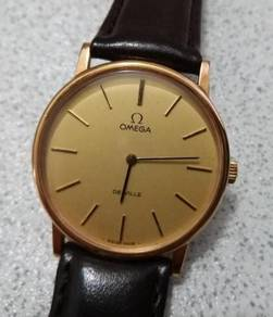 Authentic Omega deVille vintage manual winding
