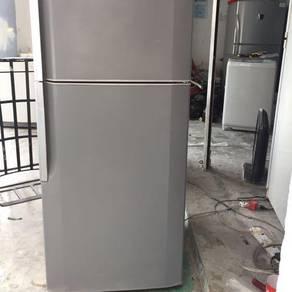 Hitachi fridge peti sejuk