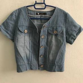Outerwear (jeans fabric)
