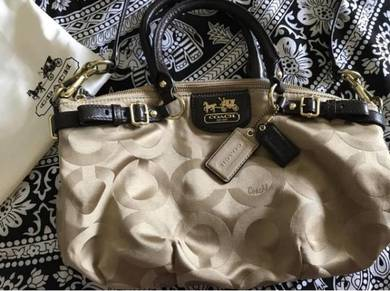 Authentic Coach bag (Pre-owned)
