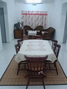Room for female Taman University, UTM, AEON Taman U