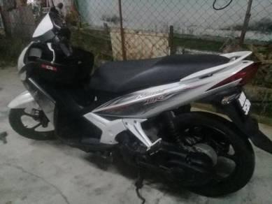 2010 Yamaha Nouvo LC Motor skuter nouvo lc