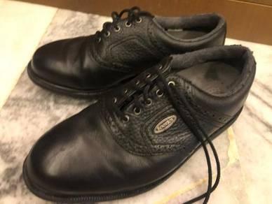 Footjoy leather golf shoe