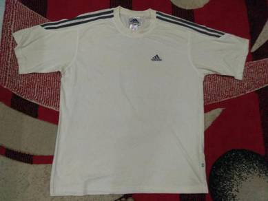 Adidas t shirt 3 strpes size l