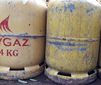 Tong gas kuning serta isi full gas