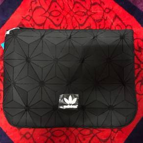 Adidas Urban 3D Clutch bag