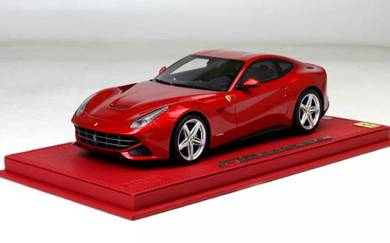 F12 Berlinetta 1/18 Enzored sport car toy model