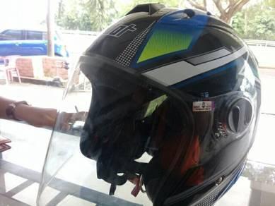 Helmat X-DOT 626